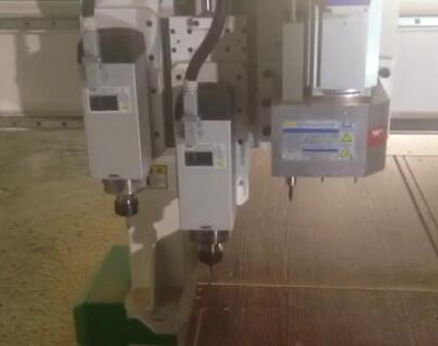 Cnc woodworking machine with drilling head.jpg