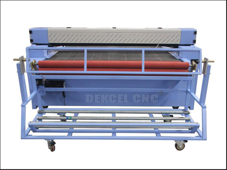 cnc o2 laser cutting machine with automatic feding system.jpg